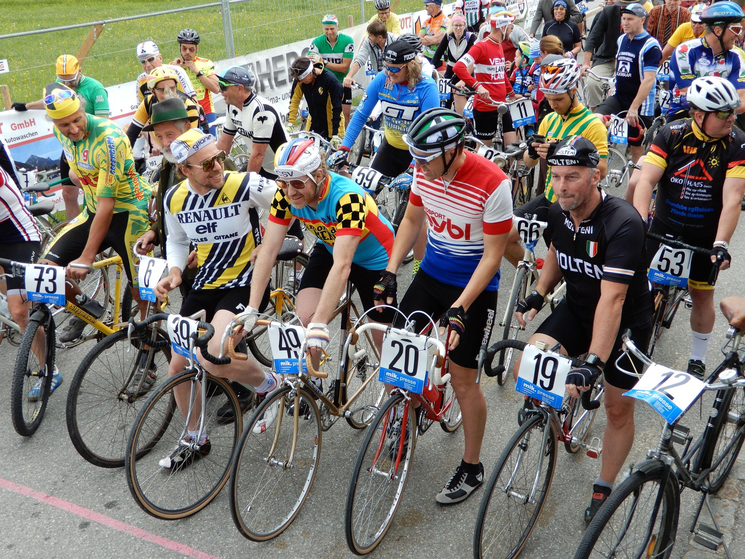 Bilder Retro Charity und Ergebnisliste Straßenradrennen